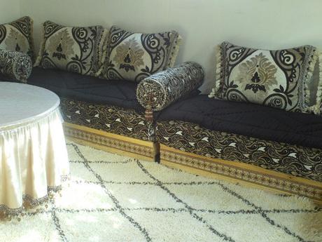 Salon marocain beldi, tapis Beni Ouarain